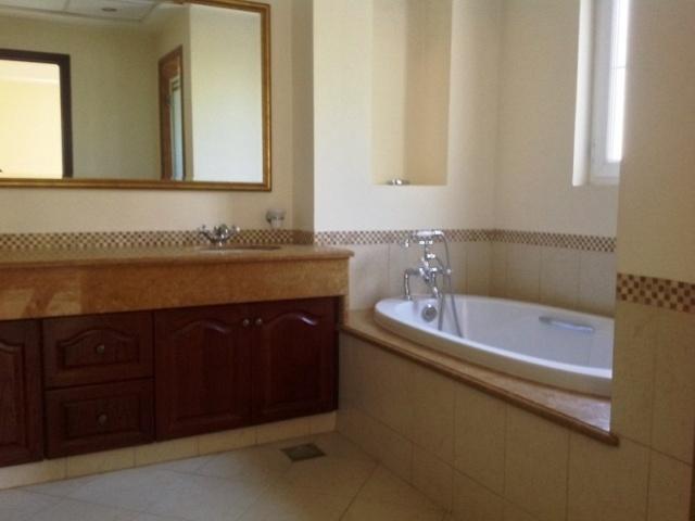 Alvorada 4, Arabian Ranches - Bathroom